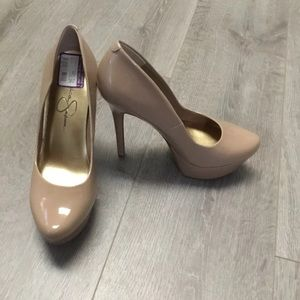 NWT Jessica simpson nude patent leather heels